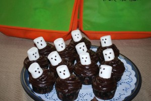 Chocolate Cupcakes with Ghost Marshmallows for a Halloween Birthday