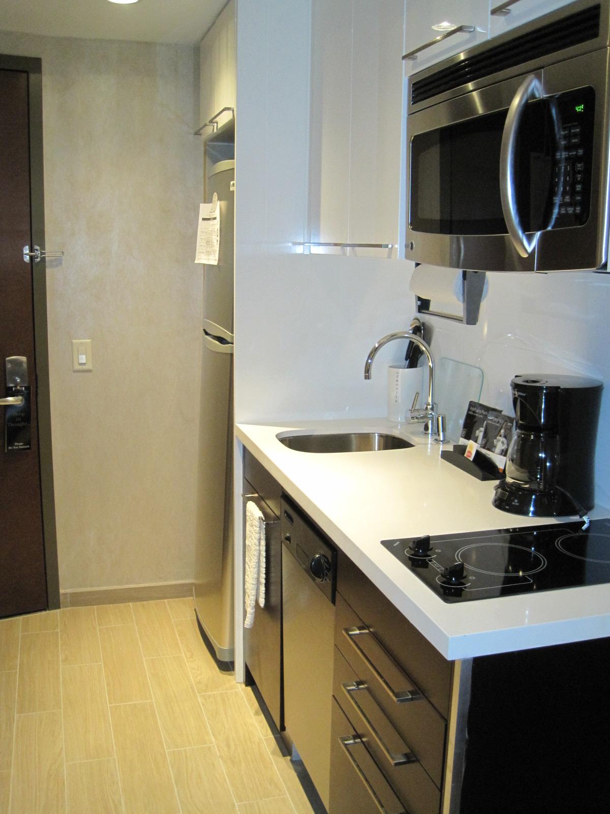 staybridge suites times square quirkyfusion. Black Bedroom Furniture Sets. Home Design Ideas
