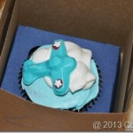 Adorable Airplane Cupcakes and Favor Boxes